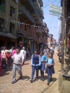 anak sekolah di Bhaktapur
